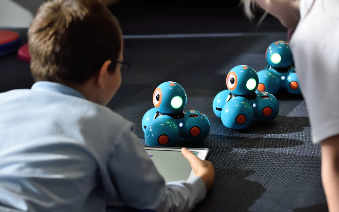 Reasons Why Your Kids Should Learn Robotics